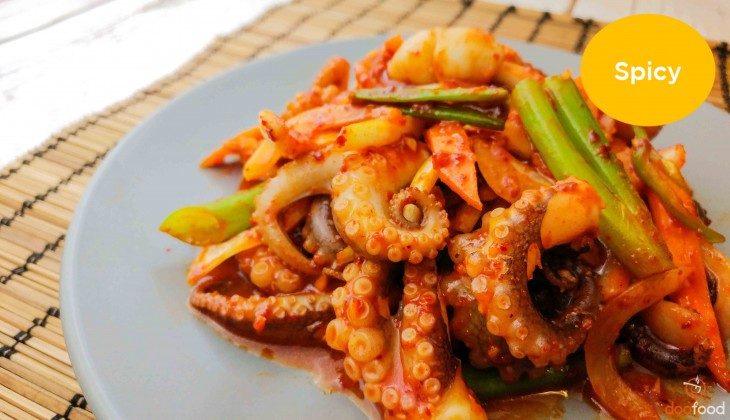 Baby octopus with vegetables (쭈꾸미볶음)