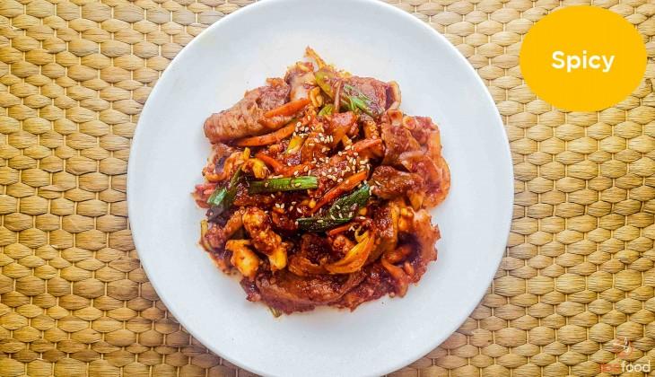 Octopus with beef brisket (차돌박이낚지볶음)