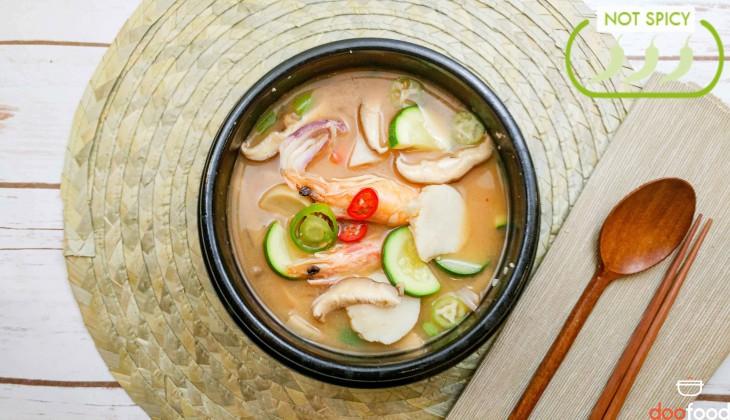 Seafood soybean stew (해물된장찌개)