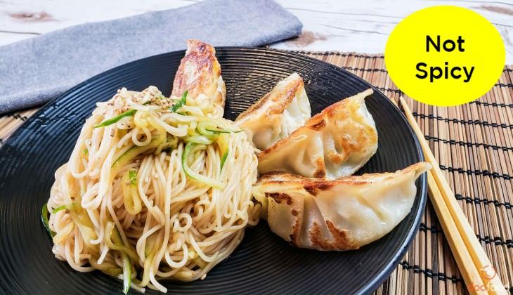 Soy sauce noodle+dumpling (간장비빔국수와만두)