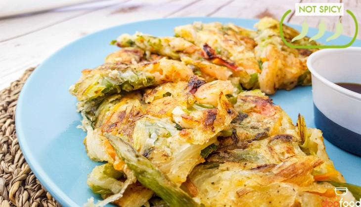 Seafood scallion pancake (해물파전)