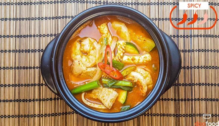 Squid mixed stew (오징어섞어찌개)