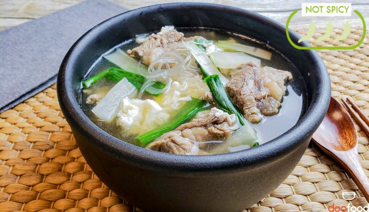 Beef rib soup (갈비탕)