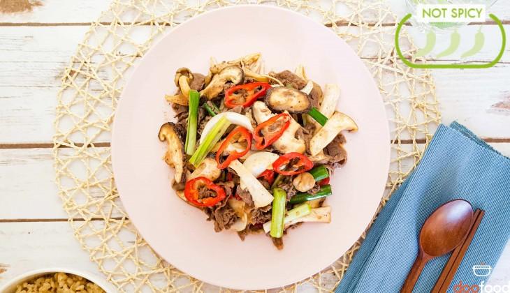 Bulgogi with mushroom (불고기버섯볶음)