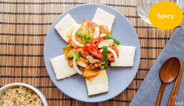 Kimchi with pork & tofu (김치두부제육)