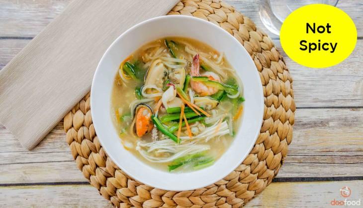 Seafood Kal Guk Su (해물칼국수)
